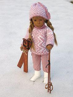 skiing Crochet Doll Dress, Knitted Dolls, Crochet Hats, Sasha Doll, Vinyl Dolls, Knit Beanie Hat, Kewpie, Smock Dress, Doll Clothes