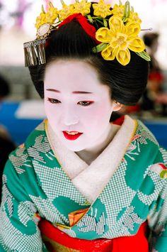 The Maiko Katsuya at Baikasai in Kyoto (c) By John Paul Foster