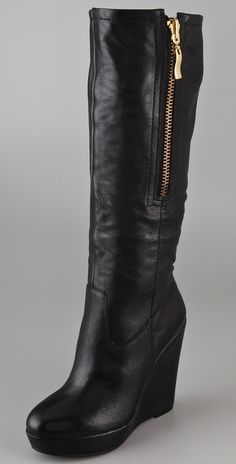 I need this black wedge boots in my life!