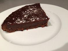 Fondant au chocolat milka C'est Bon, Desserts, Food, Custard, Molten Cake, Chocolate Fondant, Drizzle Cake, Tailgate Desserts, Deserts