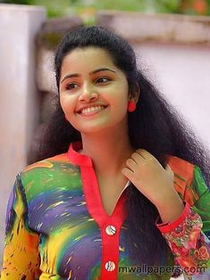 Anupama Parameswaran Latest HD Images (1080p) - #4826 #anupama #anupamaparameswaran #actress #tollywood #kollywood #mollywood Beautiful Girl Indian, Beautiful Indian Actress, Girl Photo Poses, Girl Photos, Indian Film Actress, Indian Actresses, India Beauty, Asian Beauty, Kurtha Designs