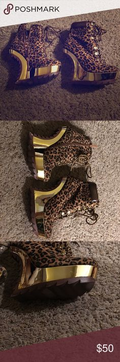 Alba Leopard print Wedges shoes Alba Normal wear and tear as seen in photos used Leopard print wedge size size 8                                                  #WD alba Shoes Wedges