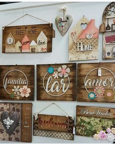 23 Clever DIY Christmas Decoration Ideas By Crafty Panda Diy Crafts For Gifts, Hobbies And Crafts, Crafts To Sell, Barn Wood Projects, Diy Furniture Projects, Picture Frame Art, Sola Wood Flowers, Christian Decor, Block Craft