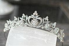 Bridal Tiara Crystal Heart Tiara  DIANA por EdenLuxeBridal en Etsy