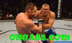 Chuck Liddell laying it on Rich Franklin, there are very few this mentally tough Chuck Liddell, Ufc Knockouts, Ufc Fighters, Action Poses, Mixed Martial Arts, Event Photos, Videos, Sports, Sport