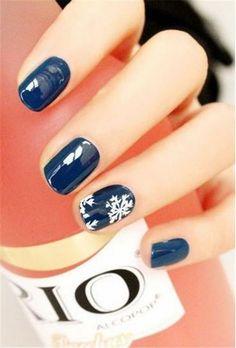 Blue nails in chritsmas - Uñas cortas azules para navidad