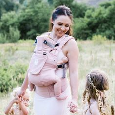 @Lillebaby's new line of Organic COMPLETE Carrier in pastels are gorgeous (and super-functional) #PNpartner