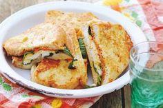 25 september - Mozzarella in de bonus - Geen tosti-ijzer nodig. Deze heerlijke tosti's bak je in de koekenpan - Recept - Allerhande