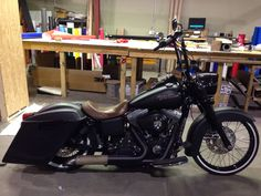 Bobber to Dyna Bagger to 2014 FLHXS build