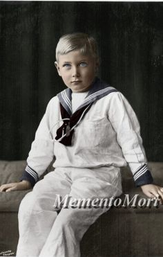 The poor prince John. In my opinion he was the cuttest kid of May and George V