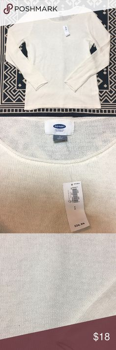 Old Navy Off White Sweater NWT Size S Old Navy off white sweater. Please see pictures for measurements Old Navy Sweaters Crew & Scoop Necks