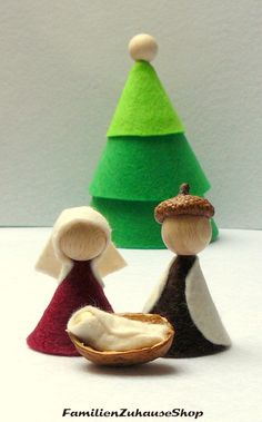 Nativity scenes - crib, felt, holy family, Christmas - - Nativity Diy How to Make Christmas Craft Fair, Christmas Nativity, Christmas Decorations, Christmas Ornaments, Family Christmas, Diy Thanksgiving Crafts, Diy Nativity, Nativity Scenes, Christmas Embroidery Patterns