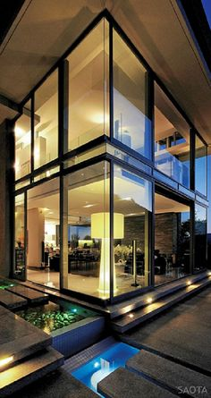 SAOTA – Stefan Antoni Olmesdahl Truen have designed the Montrose house in Cape Town,  South Africa.