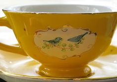 what's not to love about a mellow yellow Tea cup! Yellow Tea Cups, Teapots And Cups, Teacups, Cuppa Tea, China Tea Cups, My Cup Of Tea, Mellow Yellow, Vintage Tea, Vintage Dishes