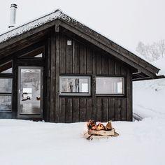 """Spring in Scandinavia.  #getoutdoors #upknorth  By @heddahytter"""