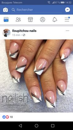 classic french nails With Glitter French Manicure Nails, French Tip Nails, Red Nails, Hair And Nails, Nail Tip Designs, Fingernail Designs, French Nail Designs, Jolie Nail Art, Finger Nail Art