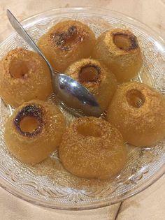 Greek Desserts, Party Desserts, Greek Recipes, Dessert Recipes, Cookbook Recipes, Cooking Recipes, Food Decoration, Apple Recipes, A Table