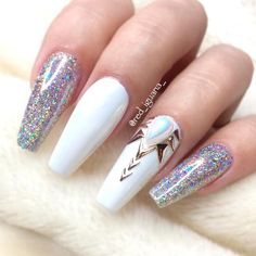 White acrylic nails never go out of fashion. Even now they are extremely popular. Artificial nails are great timesavers, no doubt. They can be styled to suit any occasion. If you prefer some eccentric nail shapes, acrylic nails are a definite must for you. 54+ Best White Acrylic Nails Designs