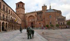 Villanueva-de-los-Infantes en Ciudad Real. Cuentan que en esta localidad vivía el ingenioso  hidalgo Don #Quijote de la Mancha