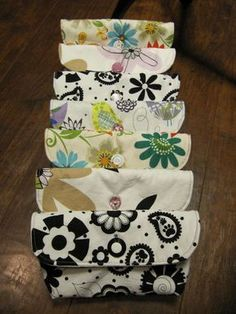 30 free tutorials for zippered pouches and wallets