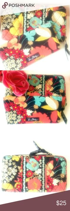 🌹🌹VERA BRADLEY WALLET SET🌹🌹 VERA BRADLEY WALLET SET. PRE LOVED IN EXCELLENT CONDITION.  THIS IS FOR A REGULAR SIZE  WALLET AND THINNER WALLET.  THIS WAS BROUGHT AS A SET. THE WALLET HAS SEVERAL POCKETS FOR MULTUPLE CARDS.  THE THINNER WALLET CAN BE USED FOR THE SAME THING.  BRIGHT SPRING COLORS.. Vera Bradley Bags Wallets