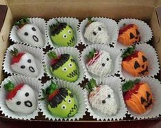 Gourmet Chocolate Covered Scary Berries Gift Box Birthday Gift Thank You Gift Gourmet Hand Dipped- Confectionery- Halloween Halloween Snacks, Comida De Halloween Ideas, Pasteles Halloween, Dulces Halloween, Bolo Halloween, Halloween Chocolate, Halloween Dinner, Halloween Birthday, Halloween Activities