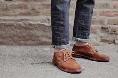 [y_h_b_t_i] | My feet and my photo