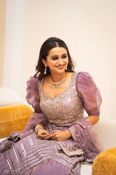 30 Stunning Blouse Designs To Consider For Your Wedding in 2019 ? Check out our handpicked bridal blouse designs that are apt for lehenga, saree or even a lehenga-saree Blouse Back Neck Designs, Sari Blouse Designs, Fancy Blouse Designs, Designer Blouse Patterns, Bridal Blouse Designs, Designer Blouses For Lehenga, Latest Blouse Designs, Lehenga Designs Latest, Salwar Neck Designs