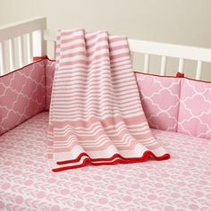 Baby Crib Bedding: Baby Pink Floral Print Crib Bedding