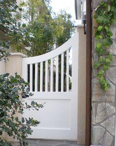 Eight Pretty Ideas for Small Gardens - Classic Casual Home Wooden Garden Gate, Garden Gates And Fencing, Wooden Gates, Fence Gate, Small Garden Gates, Little Gardens, Small Gardens, Side Gates, Front Gates