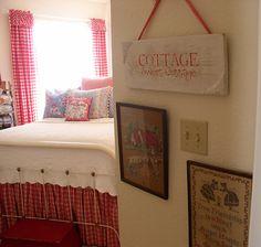 Guest room -- so cute