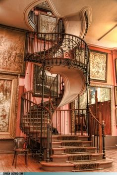 I cannot even conceive of navigating this staircase drunk, and in heels.