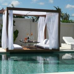 The outdoor beds for people give your garden an elegant and exclusive look. Spas and classy hotels use outdoor beds near the sea swimming pool or to stop Outdoor Beds, Outdoor Cabana, Outdoor Gazebos, Canopy Outdoor, Outdoor Spaces, Outdoor Living, Outdoor Decor, Pool Cabana, Outdoor Pool