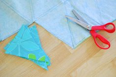 DIY outdoor bunting for a happy patio (made w/ a waterproof tablecloth) // simple mom
