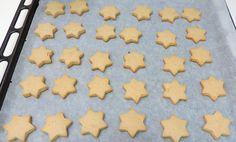 Galletas de turrón recién horneadas Griddle Pan, Nutella, Mousse, Cookies, Desserts, Recipes, Food, Scrappy Quilts, Bagel Recipe