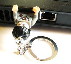 DIY LEGO Minifig USB Flash Drive