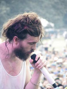 Alex Ebert from Edward Sharpe & the magnetic zeros