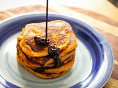 sweet potato pancakes with choc shot Choc Shot, Sweet Potato Pancakes, Pancake Day, Maple Bacon, Recipe Boards, Healthy Recipes, Healthy Food, Breakfast Recipes, Brunch