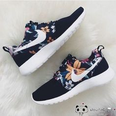 Nike Roshe Run Womens Mens Shoes Black Floral White