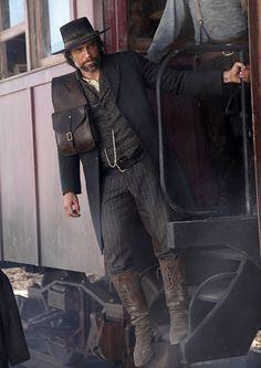 """Hell On Wheels - Season 1 - """"Pilot"""" - Anson Mount as Cullen Bohannon"""