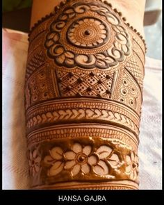No photo description available. Basic Mehndi Designs, Latest Bridal Mehndi Designs, Legs Mehndi Design, Henna Art Designs, Mehndi Designs For Beginners, Mehndi Designs For Girls, Mehndi Design Photos, Wedding Mehndi Designs, Mehndi Designs For Fingers