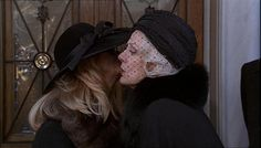 "Maggie Smith. as Gunilla Garson Goldberg in ""The first wives club"" (1996)"