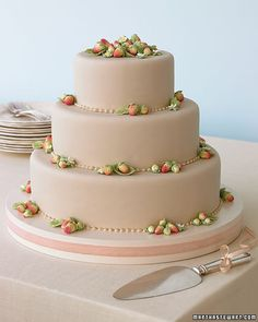This marzipan-covered cake will be delicious !    #Tacori #YourBestFriendsWedding