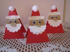 Santa card or place card- can write a note in the beard Apx 4 x 3 Card has wiggly eyes and beard is embossed This is a set of 3 Please contact me with any questions All items come from a smoke free home Christmas Art Projects, Christmas Crafts For Kids To Make, Xmas Crafts, Kids Christmas, Handmade Christmas, Christmas Nativity, Table Name Cards, Table Names, Christmas Place Cards
