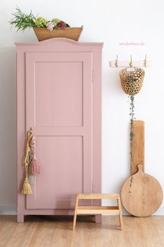 Painted Wardrobe, Pink Wardrobe, Vintage Wardrobe, Pink Furniture, Wardrobe Furniture, Painted Furniture, Armoire Makeover, Furniture Makeover, Shabby Chic Pink