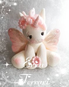 Clay crafts and misc Polymer Clay Animals, Fimo Clay, Polymer Clay Projects, Fondant Animals, Clay Fairies, Unicorn Cake Topper, Creation Deco, Cute Clay, Clay Figurine