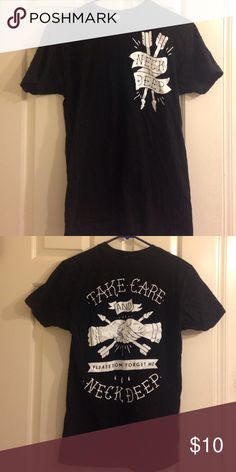 neck deep tshirt worn once Hot Topic Tops Tees - Short Sleeve