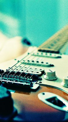 Electronic Guitar. 18 Vintage Style Wallpapers for iPhone 5/5s and iPhone 6/6 Plus. - @mobile9 #vintage #photography #music