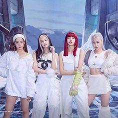 Kpop Girl Groups, Korean Girl Groups, Kpop Girls, Blackpink Jisoo, Kim Jennie, Mode Rose, Chica Cool, Blackpink Poster, Blackpink Funny