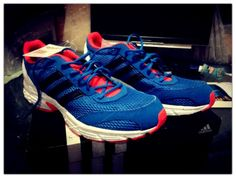 out_of_the_box_adidas_V21246_Vanquish_6m